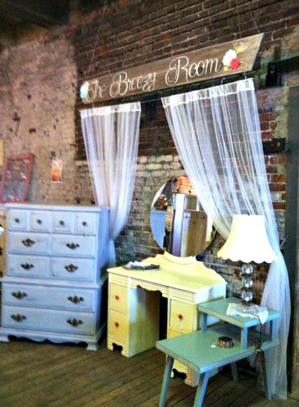 Breezy Room 1