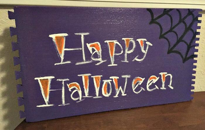 glow in the dark halloween sign