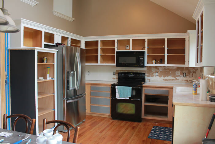 painting cabinets 1