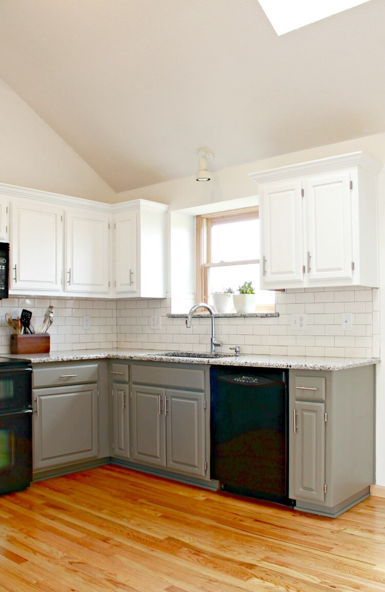 white-and-gray-kitchen-cabinets