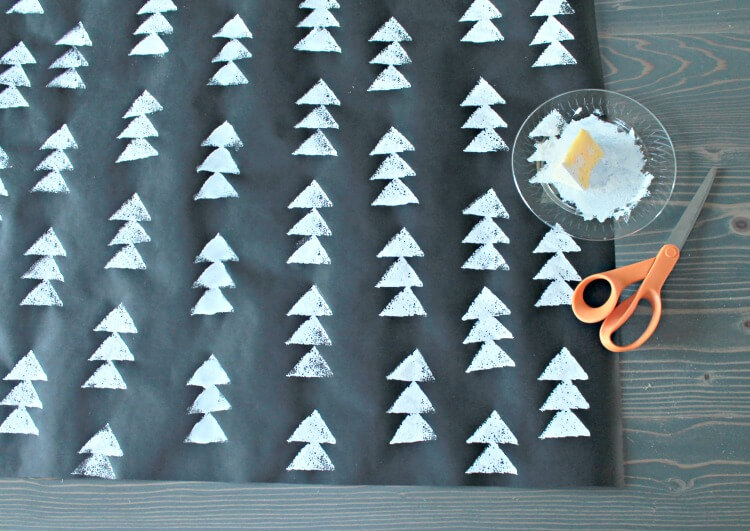 modern-christmas-tree-wrapping-paper